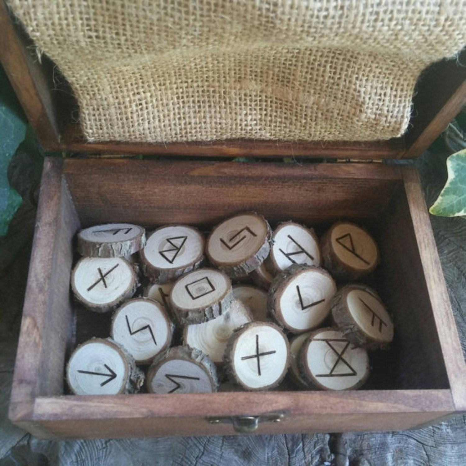 Viking runes cedar runes wooden runes elder futhark for Elder wand runes