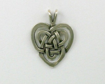 925 Sterling Silver Celtic Knot Heart Pendant - 51