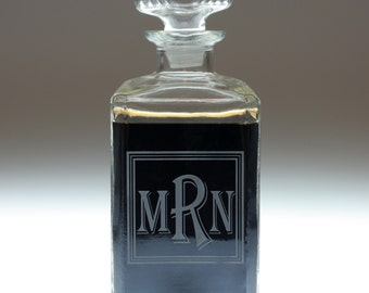 Personalized Square Monogram label Whiskey decanter.Whiskey gift, dad gift,uncle gift,father gift,groom,groomsman,groomsmen,best man