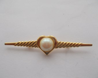 1 Beautiful Gold Plated Brooch for someone special