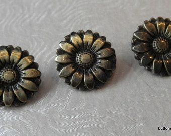 3 Antique Bronze Sunflower Buttons - 18mm