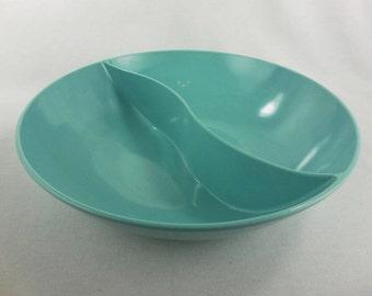 Windsor Melmac Aqua Divided Serving Bowl Made in USA Vintage Kitchen