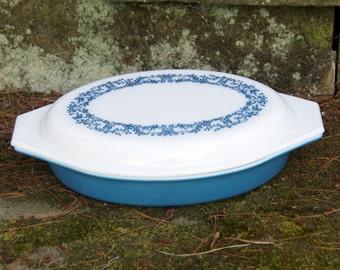 Pyrex 1.5 Quart Divided Dish/Casserole with Lid -- Blue Ivy -- Cinderella -- Serving