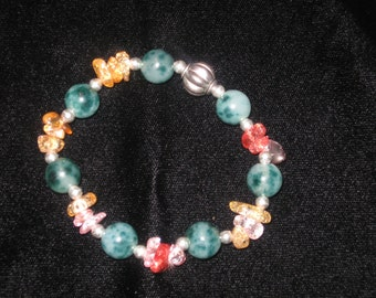 Green jade with clear pink quartz and silver bead bracelet