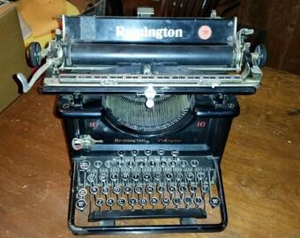 Remington 16 Paragon Typewriter