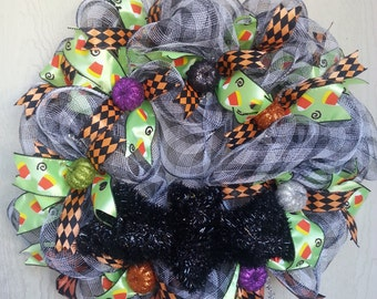 Large Deco Mesh Halloween Wreath w/ Tinsel Bat