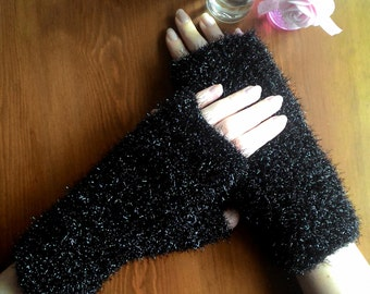 stylish knitted gloves for night
