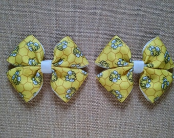 Yellow Hairbow, Bumblebee Pigtail, Girls Hair Accessory, Toddler Hairbow, Yellow Hair Clips, Girls Hairbow, Set of Two, Pigtail Hairbows