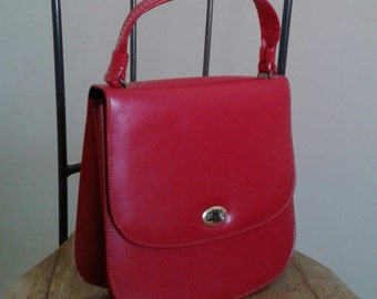CHERRY RED Vintage 60's Purse MOD Vinyl Handbag/Gold Metal trim/Mid CenturyModern/1960's Mad Men Bag/July 4th Party