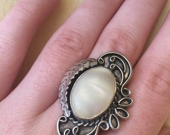 1950's Mother of Pearl Sterling Silver Ring Size 9