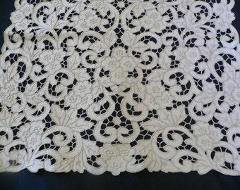 "Vintage Madeira Embroidered Cutwork Runner Bureau-Scarf  36.5-x-16.5"""