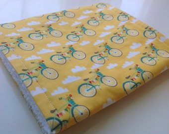 Yellow bikes burp cloth - Yellow burp cloth - Bicycle burping cloth - Baby burp cloth - Modern burp cloth - Baby shower gift - New baby