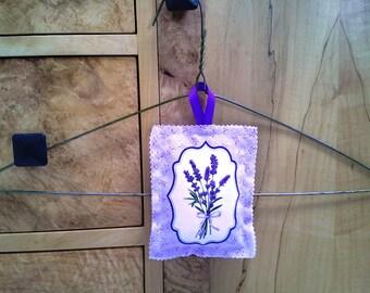 Fragrant Dried Lavender-Filled Closet Hanger Sachet