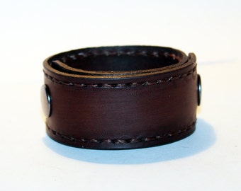 Brown Leather Cuff! Brown Bracelet! Great Gift For Women! Great Gift For Men!Brown Cuff! Very Nice Bracelet!