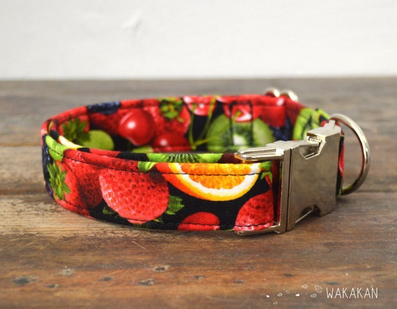 Tutti Frutti dog collar. Adjustable and handmade with 100% cotton fabric. Cherries, kiwi, oranges. Fruity style. Wakakan