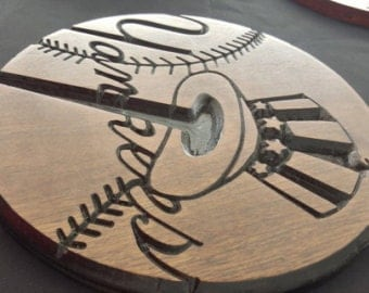 Wooden engraved Yankees sign 12""