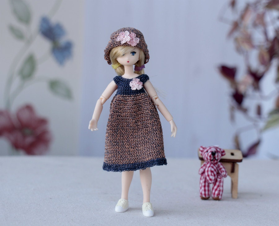 Azone Picco Neemo doll. Miniature Crochet dress and hat to