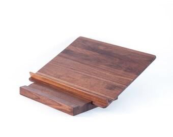 Adjustable bookstand in walnut (schtender)