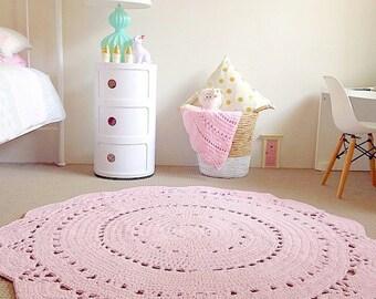 Hardwearing Crochet Floor Rug in Pink - 120cm