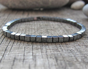 Tiny hematite bracelet Stretch Hematite bracelet Cube bracelet Hematite Bead Bracelet Minimalist Bracelet Everyday jewelry Simple bracelet