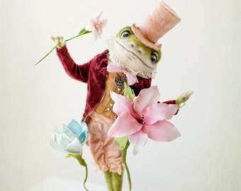 A frog -the gentelmen.. sold,made to order  18 days.28 cm in lenth.