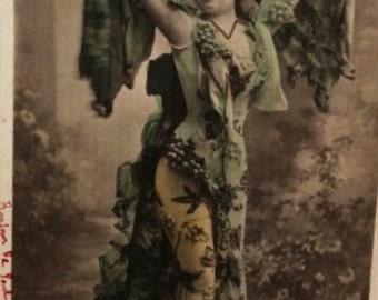 Antique Postcard/Photo Les Mirlitons from Paris Caberet, French Theatre Actress La Vigne 1900, Signed