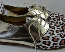 Size UK5 US7.5 EU38: Ladies Handmade Oxford Style shoe. Unique Leopard print on white and gold leather.