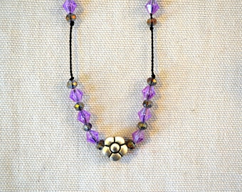 Guatemala | Handcrafted Beaded Flower Necklace – Purple