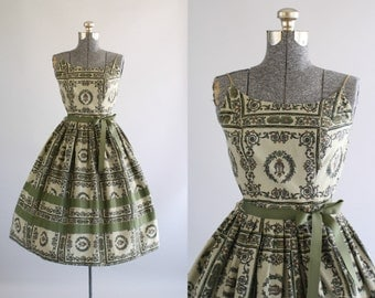 Vintage 1950s Dress / 50s Cotton Dress / Sage Green Regal Print Dress w/ Spaghetti Straps XS/S
