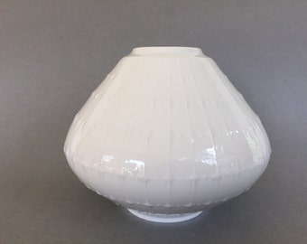 "Edelstein Bavaria large Ufo shaped Mid Century Modern 1960s  Germany white Porcelain ,,Op Art"" vase."
