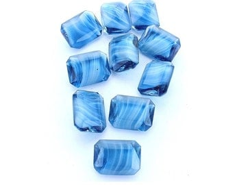 Vintage glass octagon 20x15mm blue pointed back unfoiled stone.  Price is for 1 stone