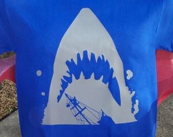 Movie Maniacs: Jaws Silhouette T-Shirt