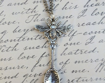 Silver Bee Charm Spoon Pendant Chain Necklace