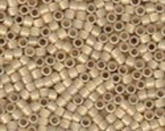MIYUKI #11 Delica 1458 - Silver Lined Light Honey Opal - 5 grams
