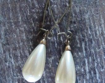 Vintage Tear Drop Pearl Earrings