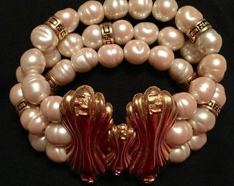 Fendi Faux Baroque Pearl Logo Bracelet