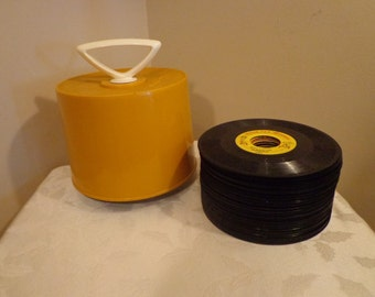 DISK-GO-CASE with 49 45 rpm Records Collection, 1960s, 1970s, 45 rpm Assorted Records with Case