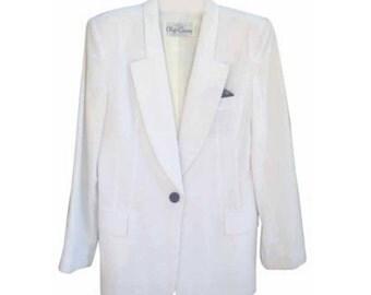 Vintage Oleg Cassini white blazer!