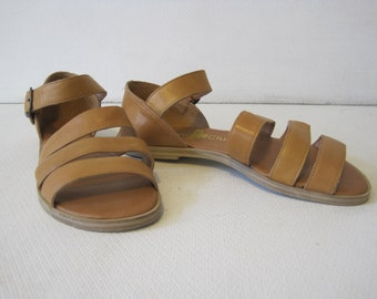 HUNT CLUB Strappy Sandals Shoes Size: 6.5 M Women's Leather Upper Vintage