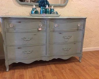 "Sold***Sold***Sold***Beautiful Bassett dresser/buttet with mirror ""FREE SHIPPING"""