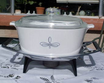 Corning Ware Trefoil 2 1/2 Quart Casserole with Lid and Candle Warming Stand
