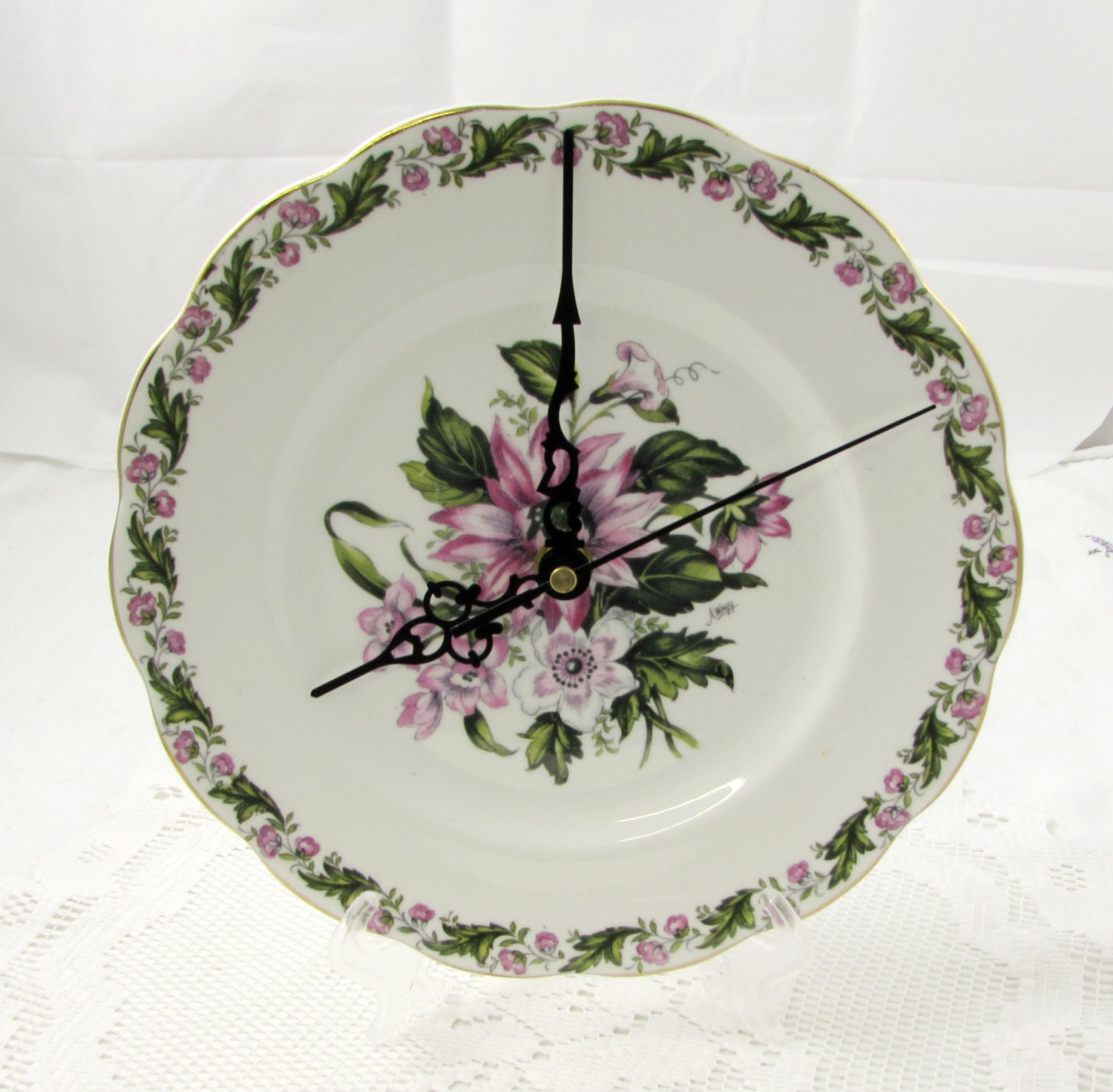Decorative Wall Plates Nz : Wall clock made from vintage bone china plate