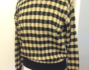 Vintage Soft Yellow/Black Houndstooth Sweater. Women's Size M