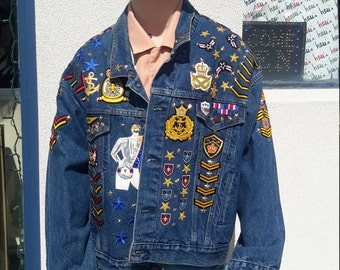 FREE SHIPPING! vintage Levi Strauss jacket for men 1980 embellished with unique items. Size 42.