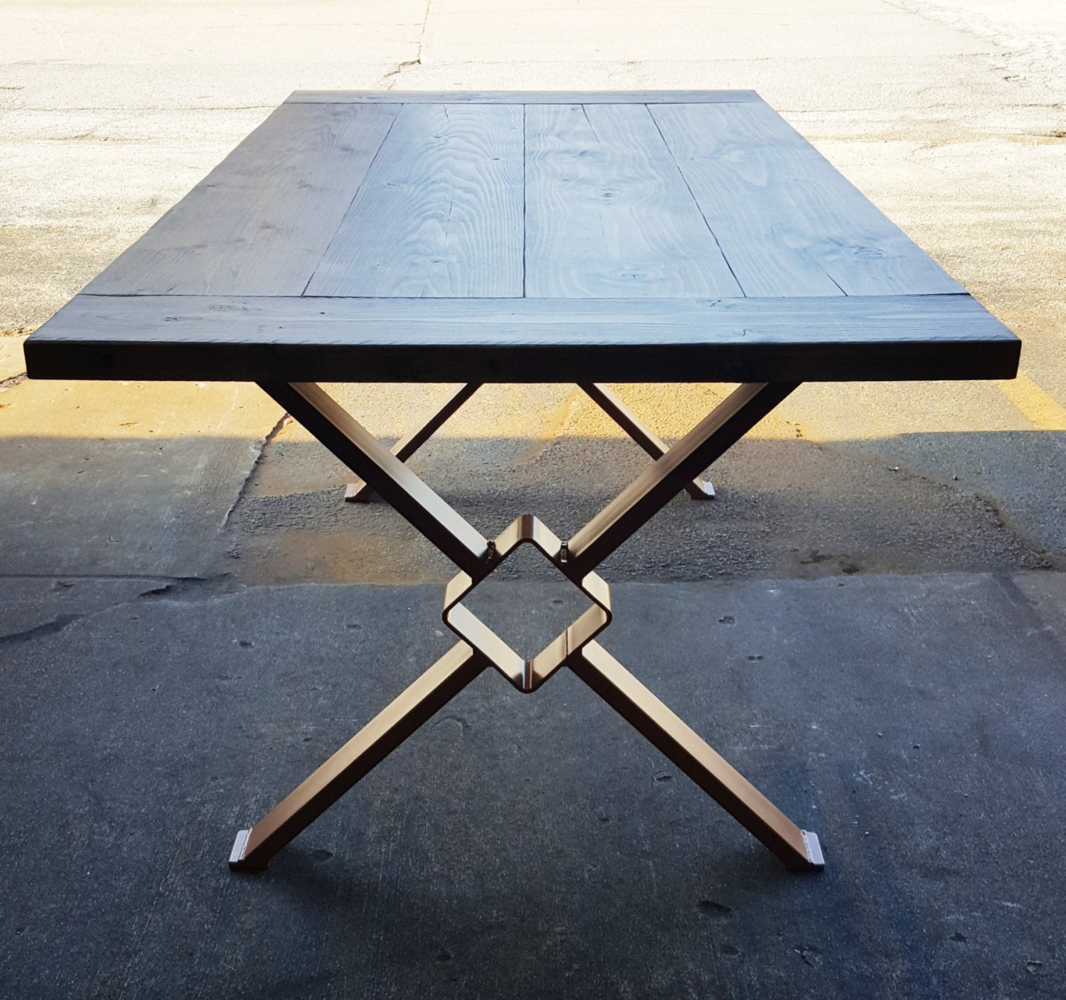 Modern dining table x legs model tt11 for Table moderne