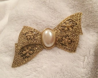 Vintage Pin - Textured Goldtone Bow with Faux Pearl Center