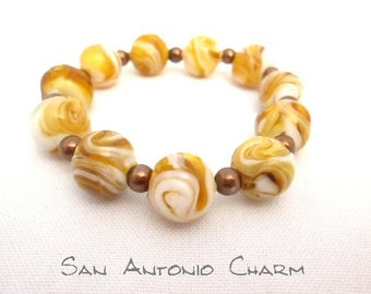 Caramel Cream Beads!  14mm Brown and White Glass Beads complimented by 6mm Brown Pearl Beads Great Stretch Bracelet Beaded Bracelet Browns