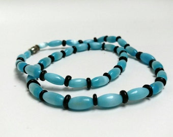 Vintage mother of pearl blue necklace