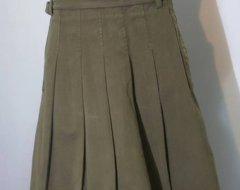 MaxMara weekend vintage skirt two lateral pocket mid length  skirt high fashion italian design A line patern skirt olive green 90.military