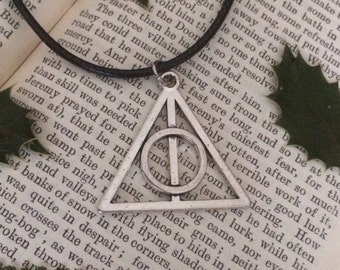 Harry Potter   deathly hallows necklace   elder wand   resurrection stone   cloak of invisibility   bohemian chic   handmade jewellery